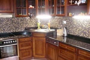 Kuchynská doska čierna žula Nero